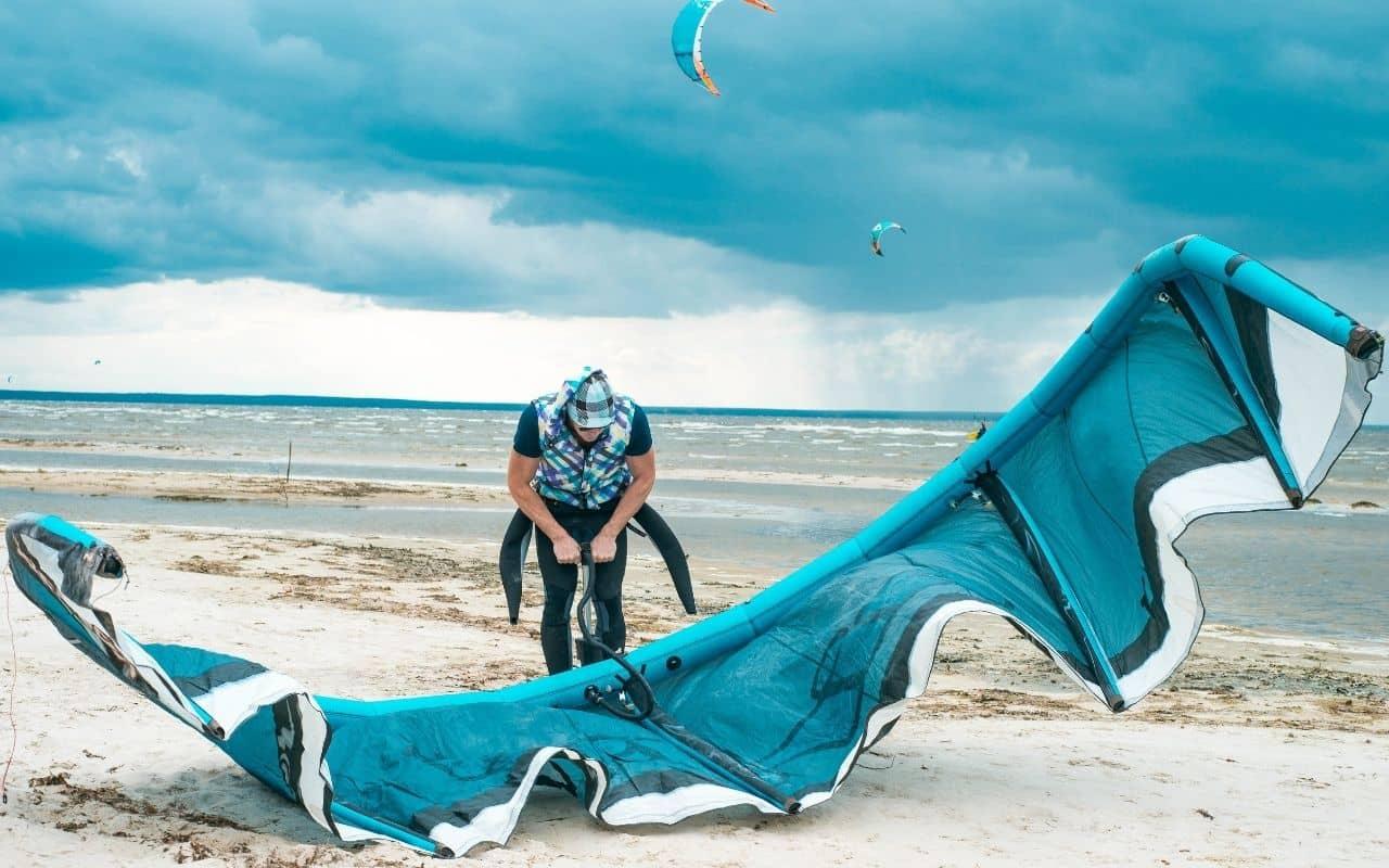 kitesurfer-using-an-inflatable-kite-pumps