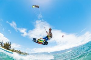 How does kite surfing work