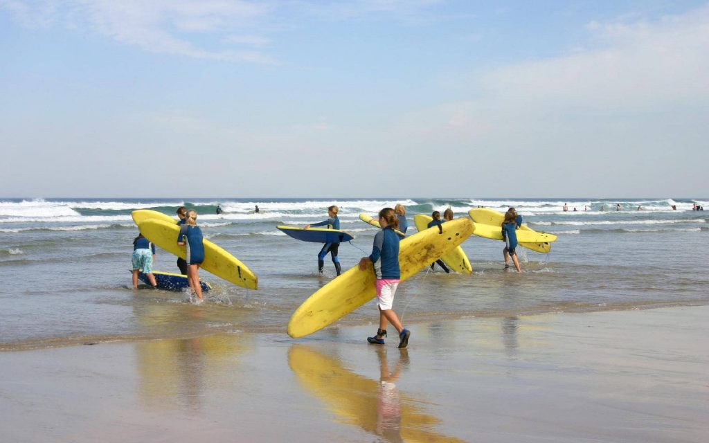 Surfing-Lessons-Courses-in-Cornwall