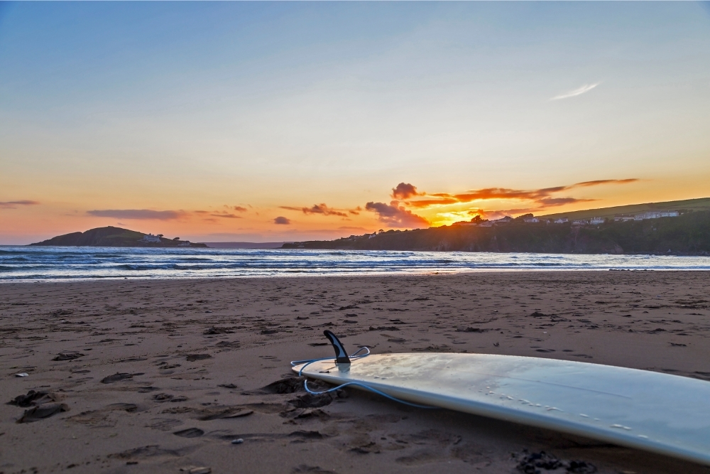 Surfing lessons courses in Devon