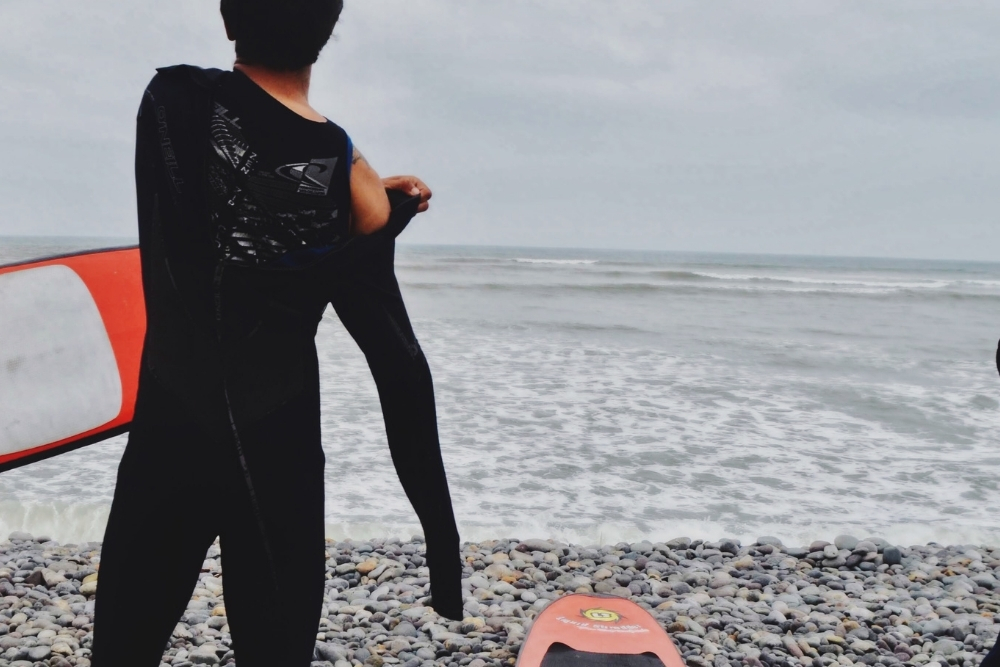 Should wetsuits be tight?