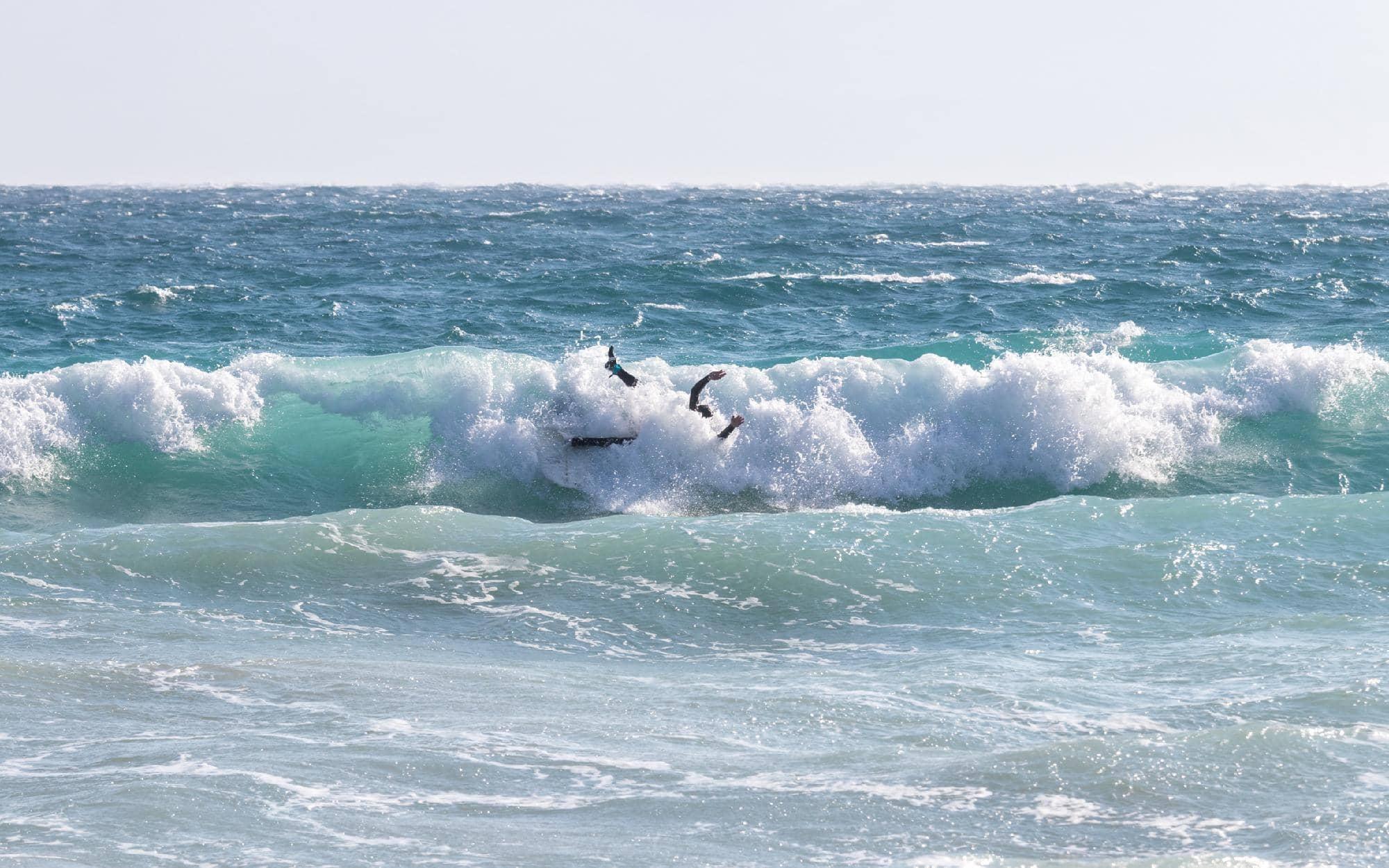 is-surfing-dangerous
